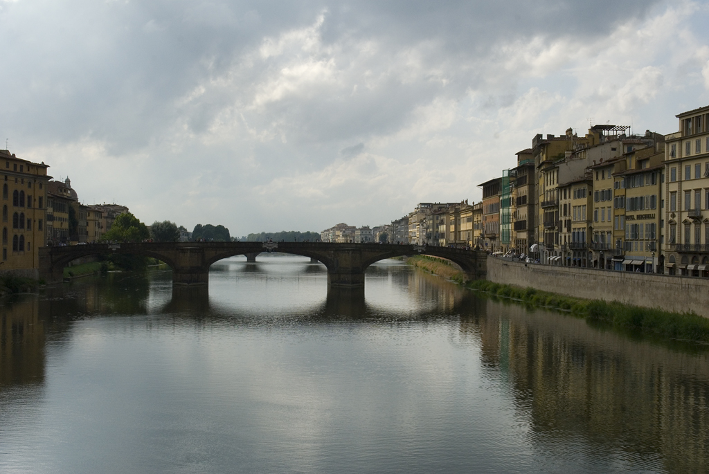 Florence Fiume Arno river