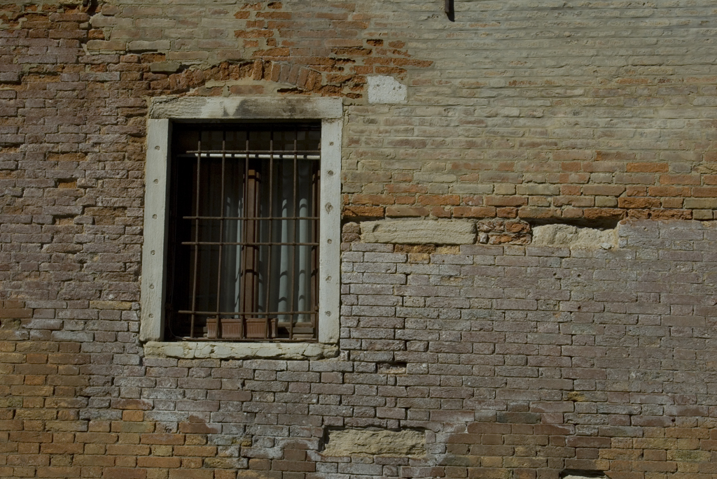 A window in Venice